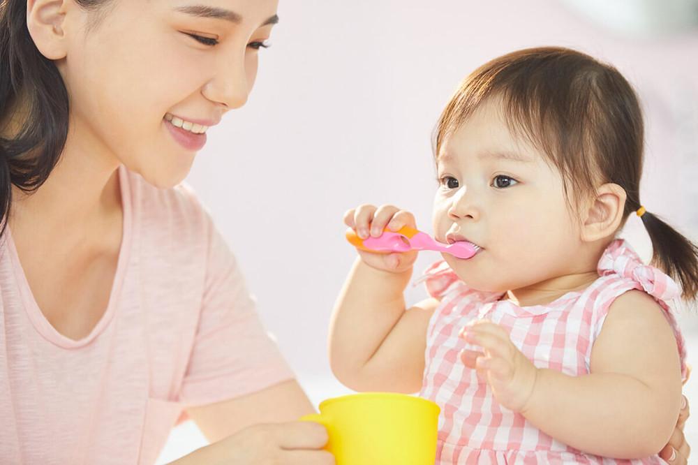 子供の歯磨きはいつから?嫌がる場合は?正しく磨く方法について