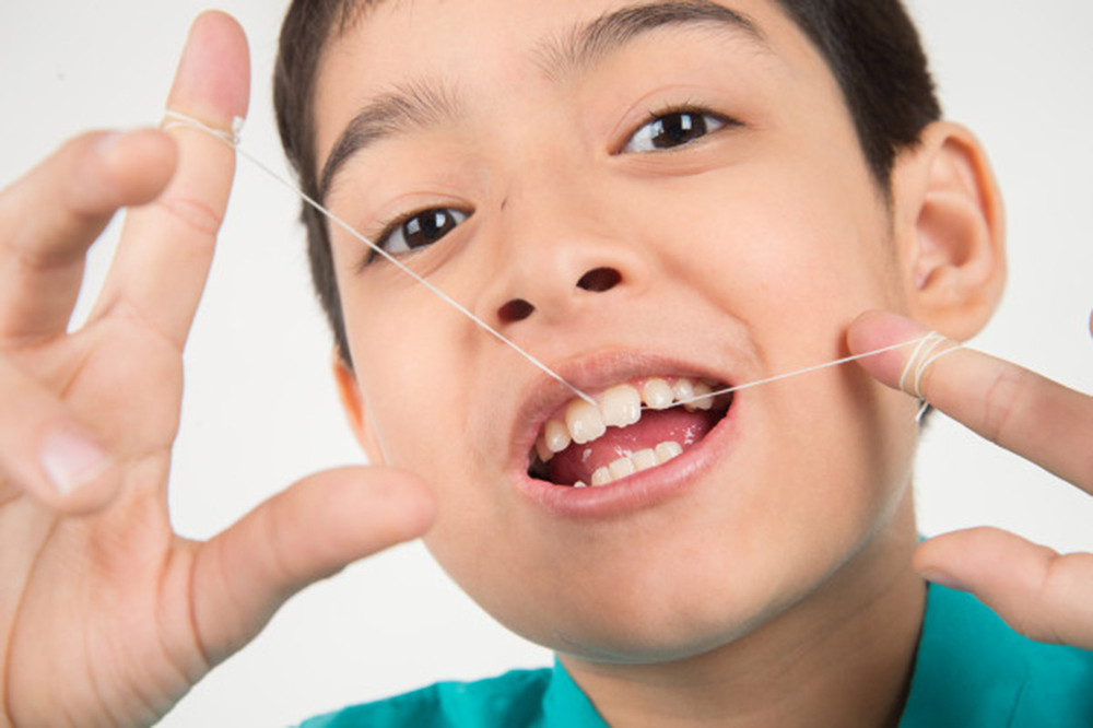 歯並びが悪くなってしまう原因とは