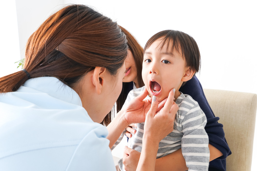 乳歯が抜けないことの影響は?